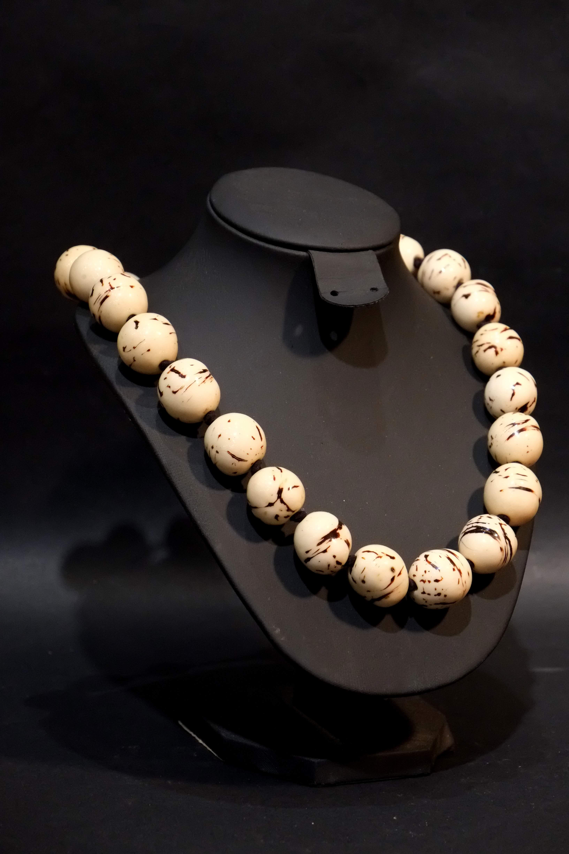 économiser jusqu'à 80% code de promo où acheter Collier en ivoire végétal modèle n° 4